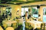Gilarmi Apartment and Suites Dining